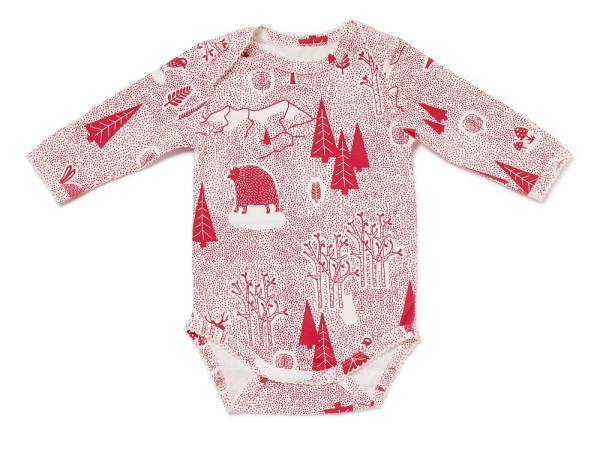 Langarm Babybody FOREST FUN mit All-Over Winterwald-Print in himbeerrot